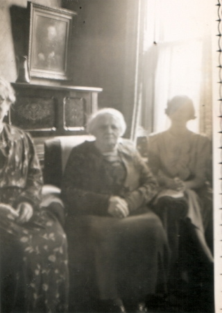 Christina Baxter née Weir with daughter Isabella Macartney (left) and Isa Macartney (right) c.1940