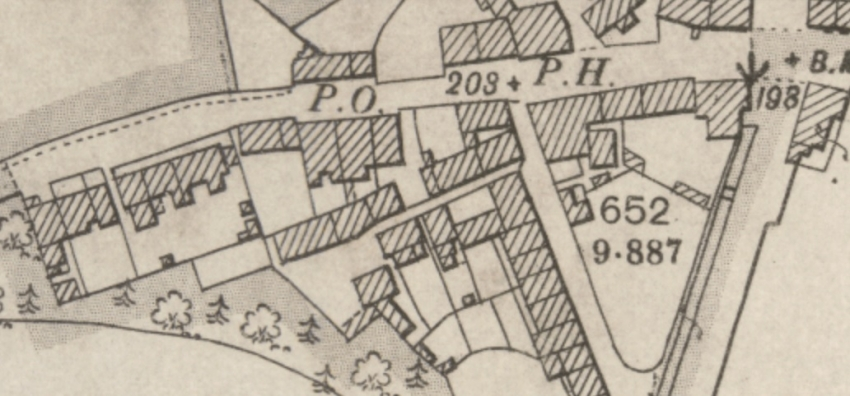 1899 Map showing the Back Street, the narrow passage lying south of and parallel to Main Street.