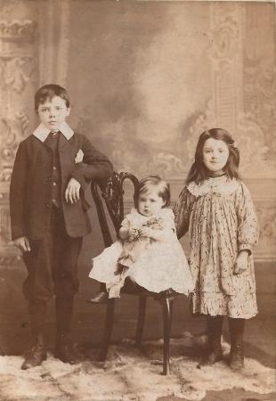 The Boyle children in 1906