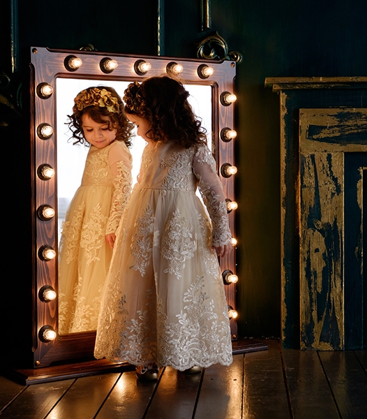 Looking in a mirror, there is the real thing and the reflection. In people without CVI, the mental picture made by the brain, is a detailed likeness to what is being looked at, in terms of where it is (how far away) what it looks like and the speed of its movement.