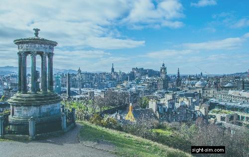 Vista de la ciudad de Edimburgo con sensibilidad reducida de contraste al color.